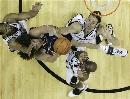 图文:[NBA]马刺胜骑士 瓦莱乔无所畏惧
