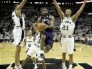 图文:[NBA]马刺胜骑士 詹姆斯勇猛无比