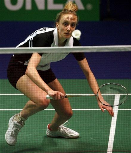 英格兰羽球名将克洛格 07全英赛注视来球