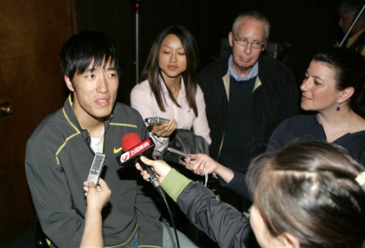 刘翔轻松接受采访