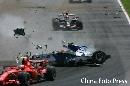 图文:[F1]库比卡发生严重车祸 碎片满天飞