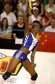 图文:中国女排三度折桂 卡尔德隆大力发球