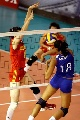 图文:中国女排三度折桂 巴罗什扣球遭拦