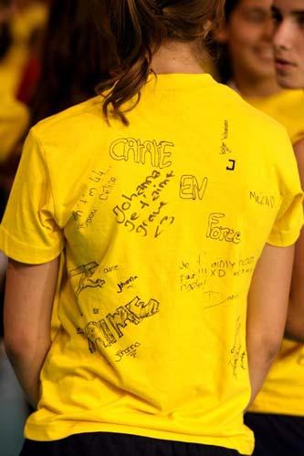 图文:瑞士精英赛圆满落幕 小志愿的签名衣衫