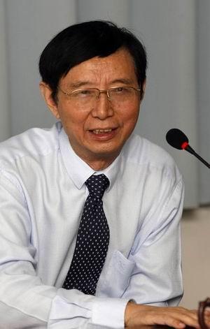 力帆集团董事长尹明善
