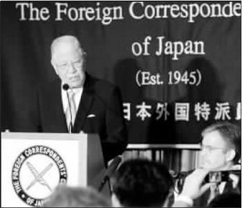 """6月9日,李登辉在东京的记者会上大谈""""台独""""。路透社"""