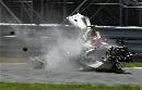 图文:[F1]库比卡撞车事故 撞车残骸极速滑行