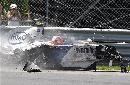 图文:[F1]库比卡撞车事故 吓呆了一旁的观众