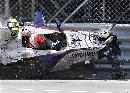 图文:[F1]库比卡撞车事故 车手依然手握方向盘