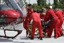 图文:[F1]库比卡撞车事故 库比卡被送往医院