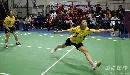 图文:蔡�S/傅海峰2-0战胜对手 飞身垫球