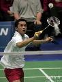 图文:苏杯第二日印尼大战丹麦 陶菲克网前击球