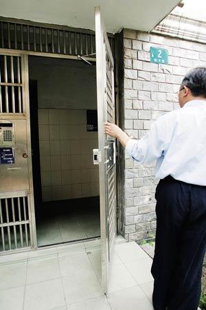 旧公房加紧电梯这扇门已打开,但能走多远?