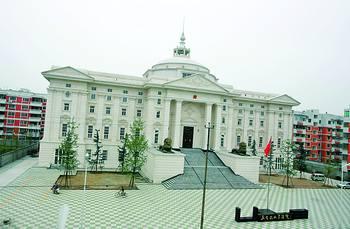 四川三台法院负债修新楼(图)