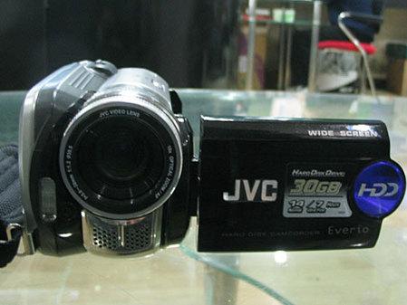 20GB容量 高像素大光圈 JVC摄像机促销
