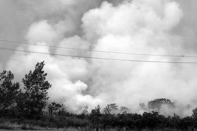 麦茬火带来遮天浓烟