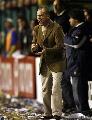 图文:解放者杯决赛博卡大胜 客队的教练很焦急