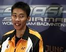图文:林丹0-2以外负于李宗伟 李宗伟赛后微笑