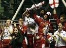 图文:苏杯英格兰胜泰国进四强 英格兰啦啦队