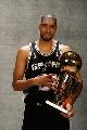 图文:[NBA]马刺夺冠 邓肯一脸酷像