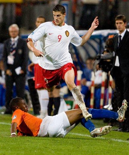 图文:欧青赛A组荷兰比利时出线 千万别踩着