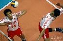 图文:男排联赛中国0-3保加利亚 姜福东组织进攻