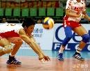 图文:男排联赛中国0-3保加利亚 中国队沈琼救球
