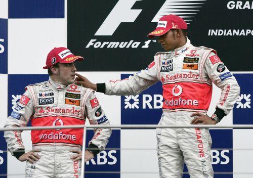 图文:[F1]美国大奖赛决赛 阿隆索与汉密尔顿