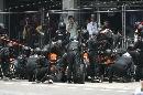 图文:[F1]美国大奖赛决赛 世爵车队维修间