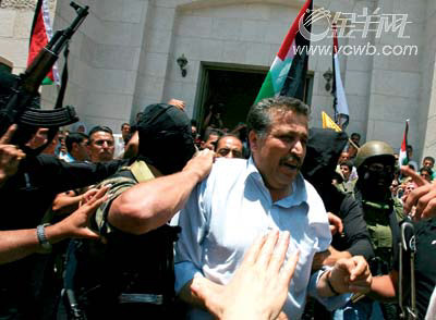 政坛之官欲-...人员在抓哈马斯官员两派冲突愈演愈烈.-巴勒斯坦内讧内幕 哈马...