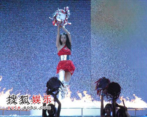 金曲奖上,蔡依林表演《究极舞境》