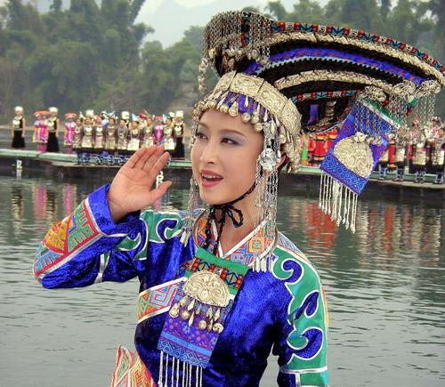 资料图片:著名歌唱家刘媛媛写真 6