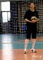 图文:女排备战总统杯 伤员张娜在单独训练