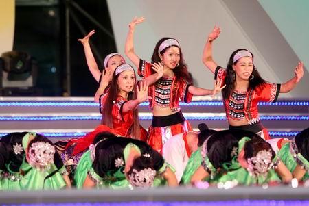 图文:奥林匹克文化节盛大开幕 民族风韵
