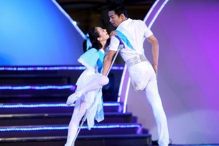 图文:奥林匹克文化节开幕 舞蹈《活力青春》