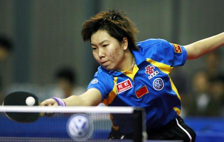 图文:国际乒联日本公开赛 李晓霞网前摆短