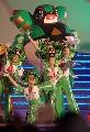 """图文:奥林匹克文化节揭幕 舞蹈""""快乐福娃""""表演"""
