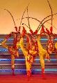 图文:奥林匹克文化节揭幕 舞蹈《京韵花翎》