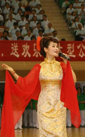 癌症患者爱心大使、青年歌手张华敏