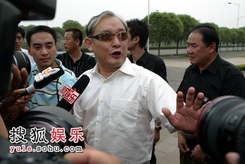 薛川接受记者访问
