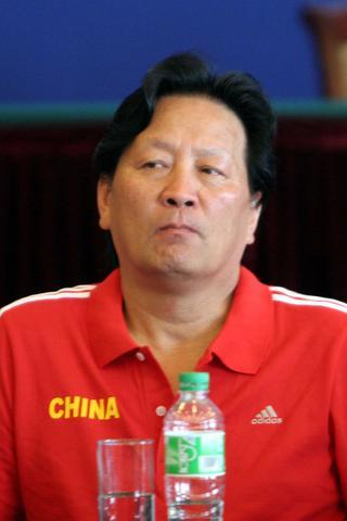 图文:国足香河高温下训练 朱广沪出席媒体座谈会