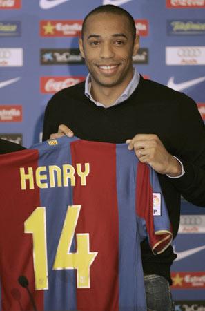 图文:亨利正式加盟巴塞罗那 继承克鲁伊夫衣钵
