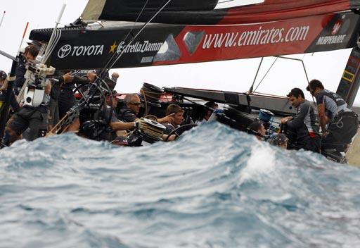 美洲杯帆船赛 图文/图文:美洲杯帆船赛第三战酋长号蓄势待发
