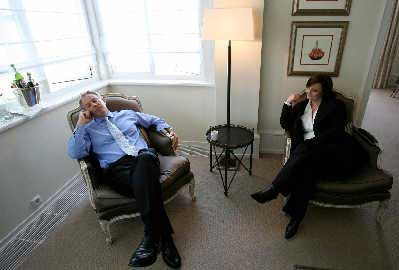 布莱尔和妻子切丽今天将告别唐宁街10号