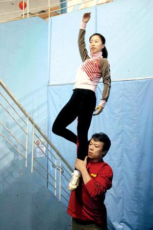 虽然已经告别国家队,但申雪和赵宏博每天还坚持训练