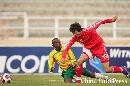 图文:[八国赛]国奥VS南非 戴琳防守稳固