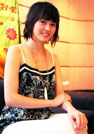 梁咏琪近来重心在工作上,昨日就在广州连走两场,图为她参加《宝葫芦的秘密》记者会。黄立科 摄