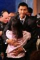 图文:[NBA]2007年选秀 易建联与母亲拥抱