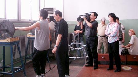 图文:北京奥运官方电影资料 拍摄刘翔训练