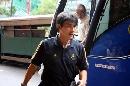 图文:[国足]众国脚抵达香港酒店 李明很酷